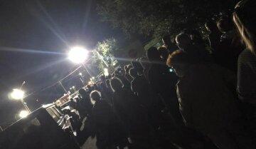 """Українці масово тікають з окупованого Криму, сотні людей застрягли на кордоні: """"До 30 серпня..."""""""