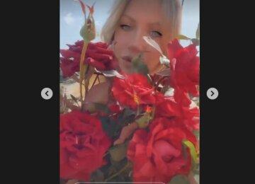 """Задаренная цветами Леся Никитюк нашла """"способ"""" забеременеть: """"Если вы хотите деток, а что-то не получается..."""""""
