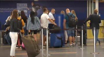люди украинцы туристы заробитчане аэропорт