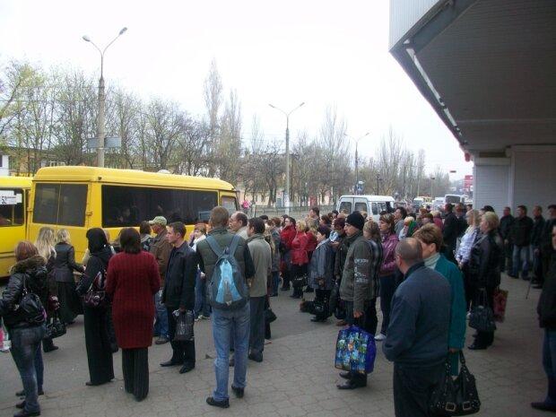Тісні маршрутки можуть зникнути з вулиць Харкова: Кернесу озвучили вимогу