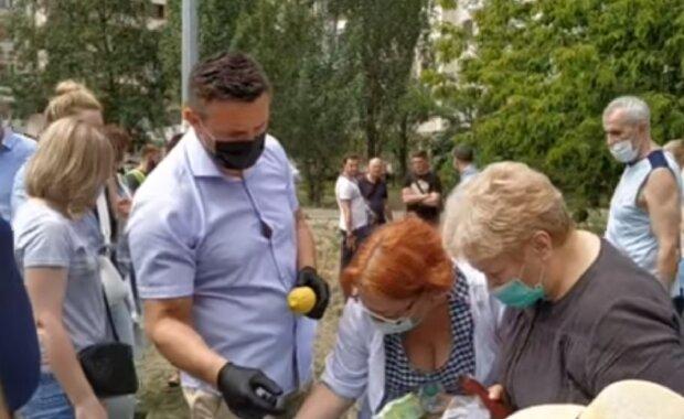 """Тищенко ошарашил """"помощью"""" на месте взрыва в Киеве, видео: """"Остатки из Велюра"""""""