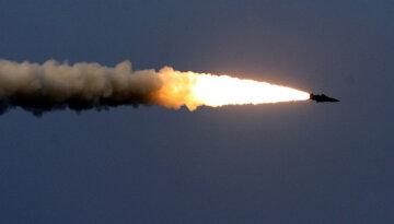 На границе наступление: боевики атаковали ракетами, гремят взрывы