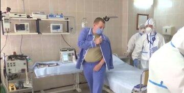 """Учасники випробувань російської вакцини захворіли китайським вірусом: """"Не для лікування, а для гордості за велич"""":"""