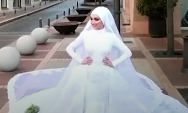 """В Бейруте свадьба закончилась для молодоженов печально, взрыв попал видео: """"Невеста позировала и..."""""""