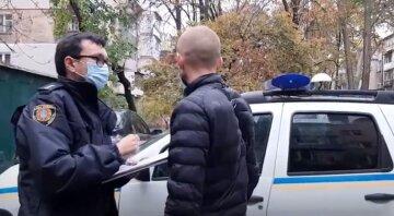 """Вооруженный гастролер устроил облаву на водителей в Одессе: """"набрасывается с ножом, а потом..."""""""