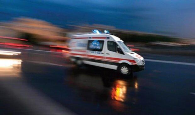 ЧП в метро столицы: женщина рухнула вниз «за секунду до…», леденящие кровь кадры