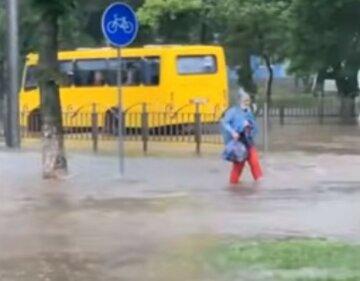 Жара ослабнет и начнутся дожди с грозами: где кардинально изменится погода уже на выходных