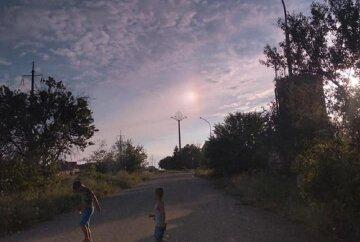 """""""Два солнца"""": жители Одесчины зафиксировали невероятное явление в небе, фото"""