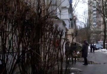 "9-классника нашли возле дома под Днепром: ""Наглотался таблеток и..."""