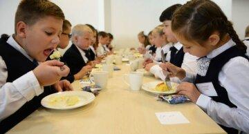 Без котлет и соков: в Днепре изменилось меню для детсадов и школ