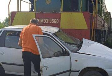 Потяг протаранив авто з українкою: кадри і деталі трагедії