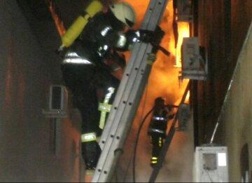 Огонь охватил гостиницу в Одессе, количество жертв увеличилось: «Люди прыгали из окон», кадры трагедии
