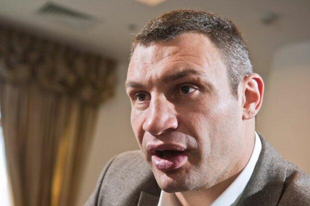 Позор в центре Киева: Кличко со свитой выставил себя на посмешище