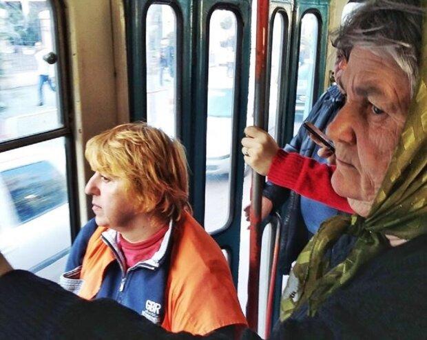 трамвай, бабушка