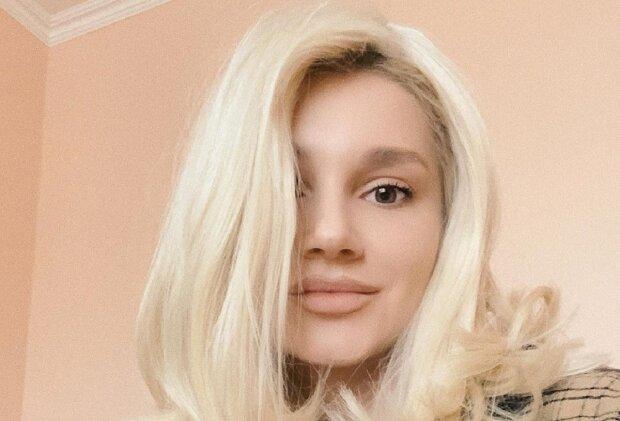 """Миша Романова в тесном купальнике переплюнула даже Памелу Андерсон: """"Горячая штучка"""""""
