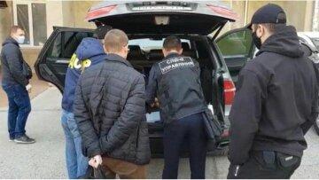 """""""Пытали и затолкали в багажник"""": опасная банда орудует на одесской трассе, кадры"""