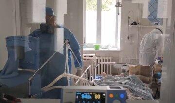 Польша решила переманить врачей из Украины в разгар пандемии: стали известны новые условия трудоустройства