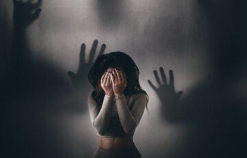 девушка, страх, испугалась, духи, приведения, тени