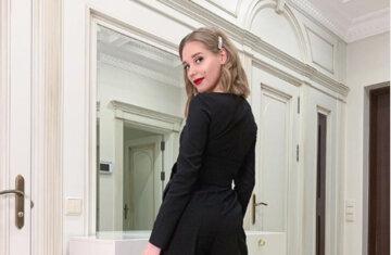 """Скандальная Асмус показала свою любимую клубничку и не только, встав на колени: """"Как аппетитно"""""""