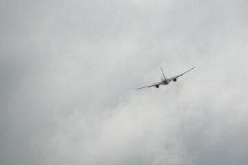 літак, хмари, літак у небі