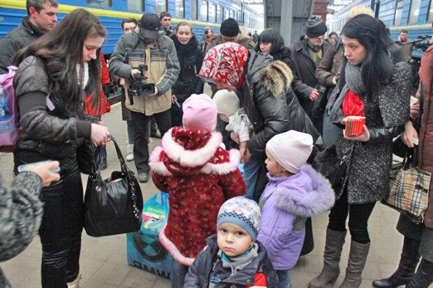 Беженцы, переселенцы