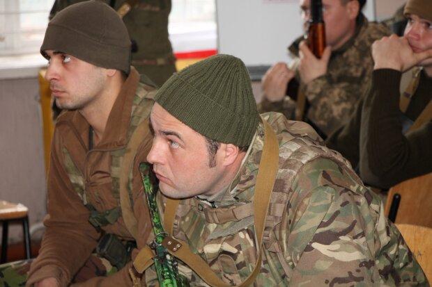 В Николаеве британские инструкторы начали обучение украинских морпехов (фото)