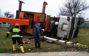 НП під Черніговом обернулося трагедією: через кран, що впав, обірвалося життя людини, фото