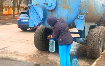 Днепряне массово останутся без воды: каким районам сделано предупреждение