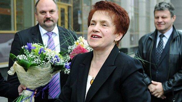 янукович, жена