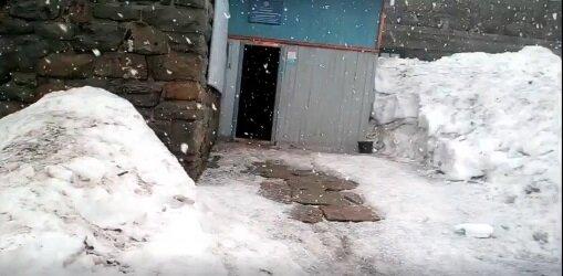 Зима несподівано повернулася до України, замети ростуть з кожною годиною: кадри стихії