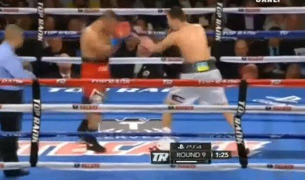 """Українець Постол """"загасив світло"""" супернику і став чемпіоном: відео легендарного моменту"""