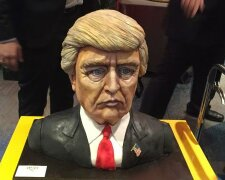 this-bust-shaped-cake-of-trump-is-just-as-meme-worthy-as-you-can-imagine-136411169731503901-16110909
