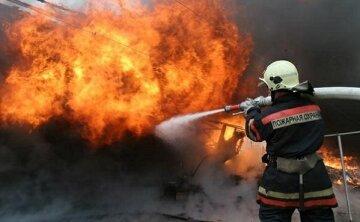 Наслідки страшної пожежі в центрі Львова: відео з місця події
