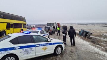 Автобус с украинцами слетел в кювет, есть жертвы: первые детали и кадры трагедии