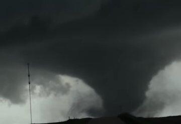 Одещина опиниться в самому епіцентрі циклону, насувається торнадо: погода на 24 травня