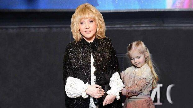 """Доньку Пугачової перетворили в принцесу, в мережі не стрималися: """"Дитина з пробірки"""""""