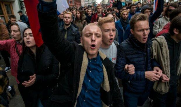 """""""Погроми і розвішані на стовпах противники"""": Боровий назвав терміни розпаду Росії"""