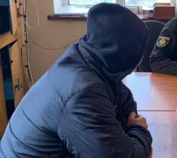 """Українець напав з ножем на рідного племінника, деталі НП: """"раніше судимий"""""""