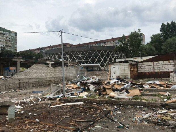 В Харькове сносят один из рынков, кадры: что построят на его месте