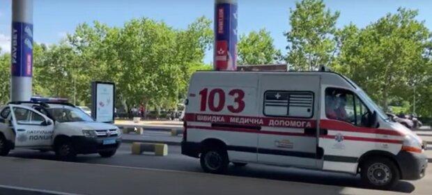 Люди опинилися в епіцентрі НП в Одесі, з'їхалися спецслужби: перші подробиці