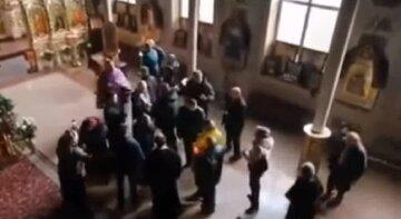 В Одесі священик влаштував бійку прямо в церкві: заміс потрапив на відео