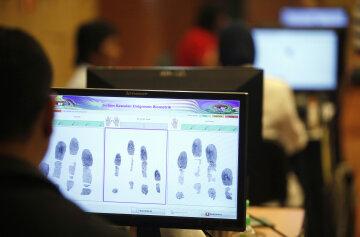 В России снимут отпечатки пальцев у всех иностранцев