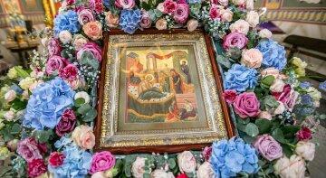 Рождество Богородицы 21 сентября: верующие УПЦ прославляют Пречистую и обращают к ней свои молитвы