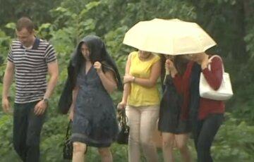 Циклони несуть дощі в Україну: де зіпсується погода найближчими днями