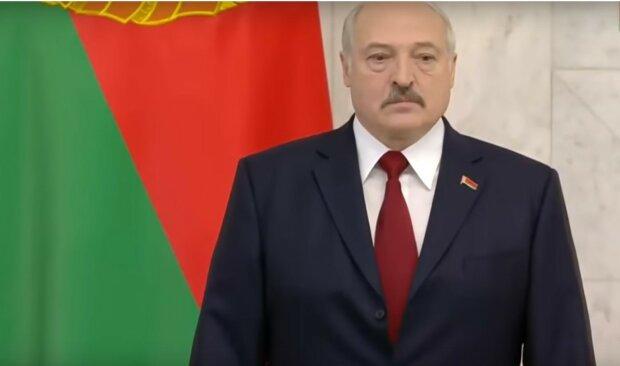 Лукашенко впервые признался, что скрывал от белорусов в разгар пандемии: «Я же не идиот…»