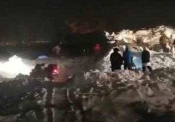Огромная лавина накрыла горнолыжный курорт, есть жертвы: кадры трагедии и новое предупреждение