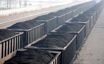 Штучно занижена ціна на електроенергію не дозволяє генеруючим компаніям запасатися вугіллям – експерт