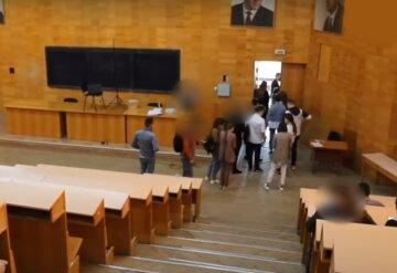 Скандал в украинском университете: экзамены вместо студентов-медиков сдавали другие люди