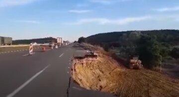 Оползень на трассе Одесса-Киев: начались срочные работы, что известно о сроках восстановления
