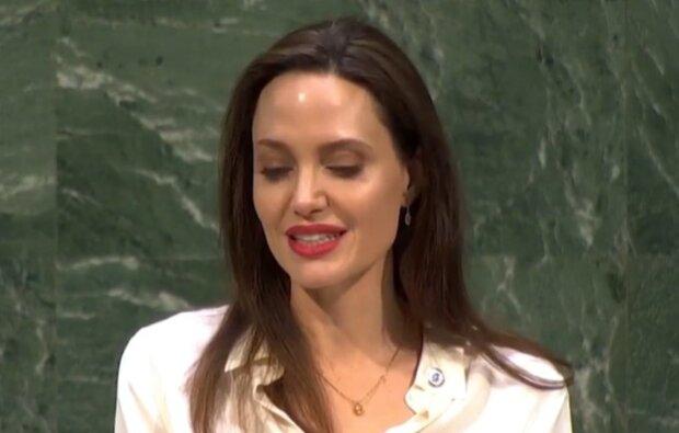 Бред Пітт кусає лікті: топ двійників Анджеліни Джолі, які вразили своєю красою, фото